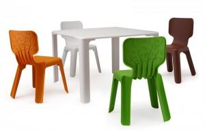 Дизайн на маса и столове за детската стая