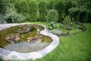 Градинско езеро с готова обшивка