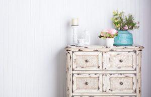 Старите мебели се превръщат в уникати
